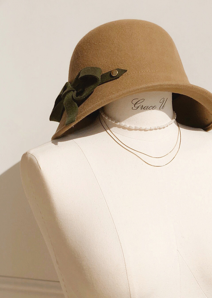 Ribbon Cloche Hat (Beige)